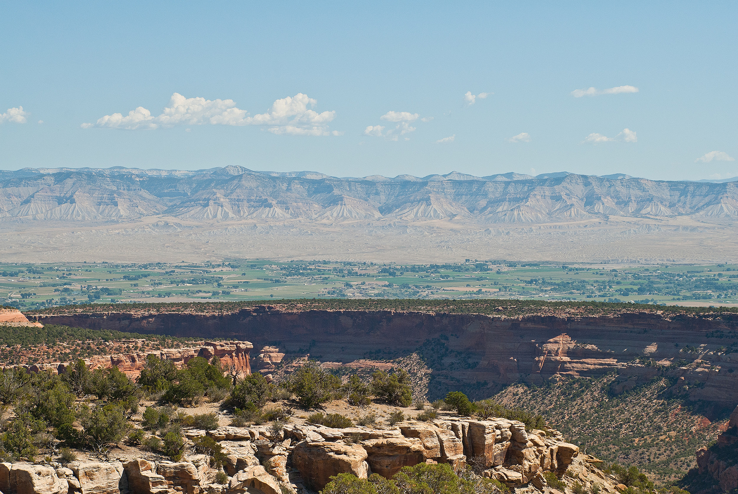 Bookkcliffs View from Colorado Monument